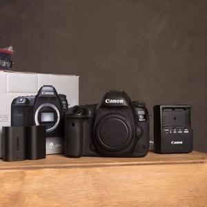 Selling : Nikon D5 Digital Camera, Nikon D D810, Canon EOS 5D Mark IV