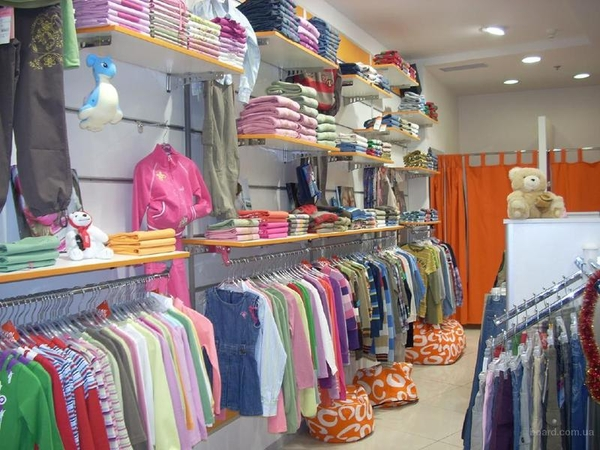 Детская обувь. Распродажа женской одежды и торгового оборудования 3